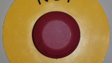 """Not Aus""-Knopf"